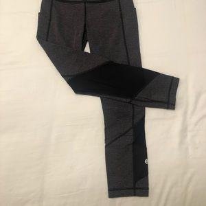 lululemon athletica Pants & Jumpsuits - Lululemon Chevron Cropped Legging